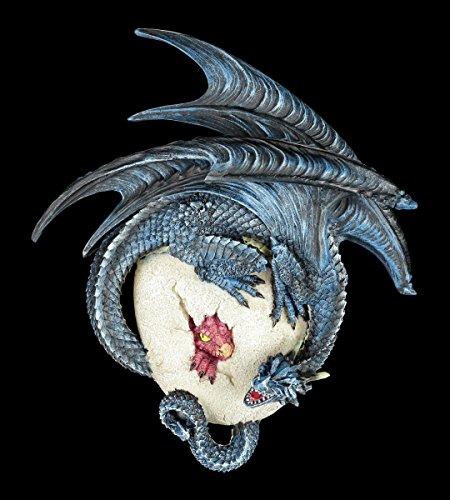 Wandrelief - Drache schlüpft aus dem Ei - Figur Fantasy Drachenfigur Baby