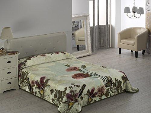 European - Made in Spain warm blanket Mora Gold Digital 2 PLY 220x240 Verde Color by MORA Blankets