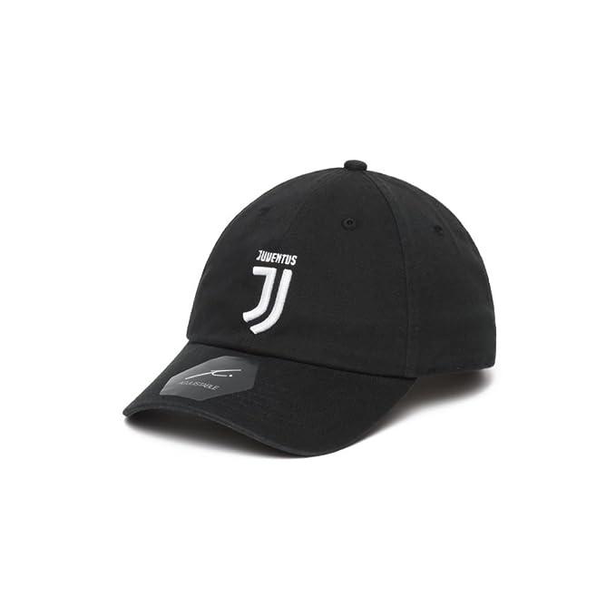 c674a211f2 Juventus Classic Baseball Cap (Adjustable)  Amazon.ca  Clothing    Accessories