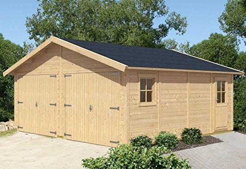 Skan Holz Garage Visby 570 x 525 cm Außenmaß (B x T): 570 x 525 cm Höhe Traufe: 235 cm Höhe Giebel: 332 cm Wandstärke: 28 mm Fläche 29,93 qm umbauter Raum: 84,85 cbm Bauweise: Blockbohlenbauweise Ausführung: naturbelassen
