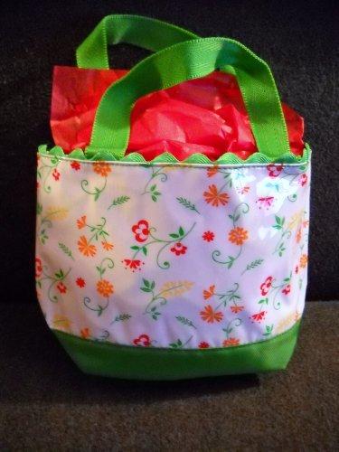 - Avon Pretty Cosmetic Tote Bag Pretty Flowers