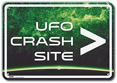 White Text with Green Background Youve been warned 10 x 7 Aluminum Sign PetKa Signs and Graphics PKAL-0038-NA/_10x7The aliens are coming