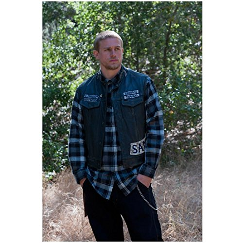 Sons of Anarchy Charlie Hunnam as Jackson 'Jax' Teller Standing by Brush 8 x 10 Photo (Breaking Bad Of Sons Anarchy)