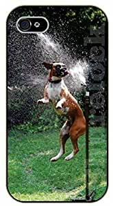 iPhone 5 / 5s Dog playing with water - black plastic case / dog, animals, dogs