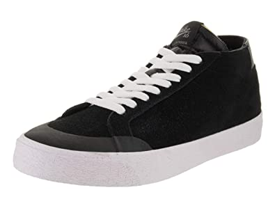 big sale cca12 a52ae Amazon.com | Nike Men's SB Zoom Blazer Chukka XT Skate Shoe ...