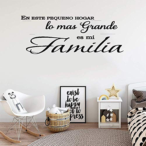 Junome Wall Words Sayings Removable Lettering Spanish Quote En Este Pequeño Hogar Lo Más Grande ES Mi Familia for Living Room Bedroom Home Decor -