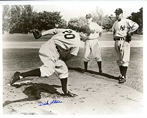 Dick Starr Autographed /Original Signed 8x10 B&W Photo Showing Him w/ the New York Yankees (1948 New York Yankees)
