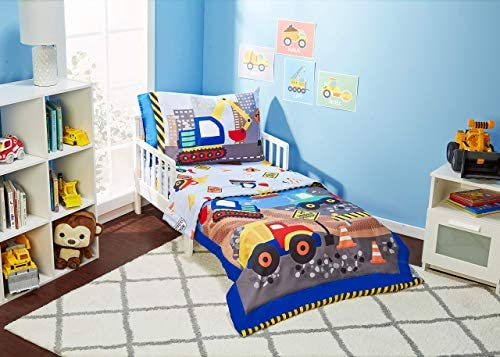 Amazon Com Everyday Kids 4 Piece Toddler Bedding Set Under Construction Includes Comforter Flat Sheet Fitted Sheet And Reversible Pillowcase Kitchen Dining