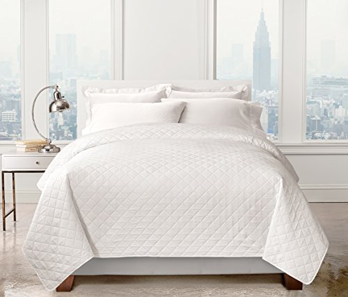 Regal Home Collections Solid Colored Diamond Embossed Quilt - Assorted Colors (White) (White Quilt Queen)