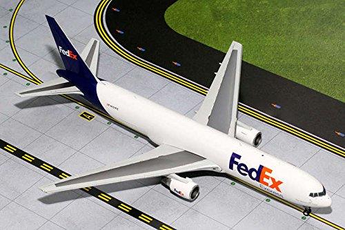 Gemini200 FedEx 767-300F Airplane Model