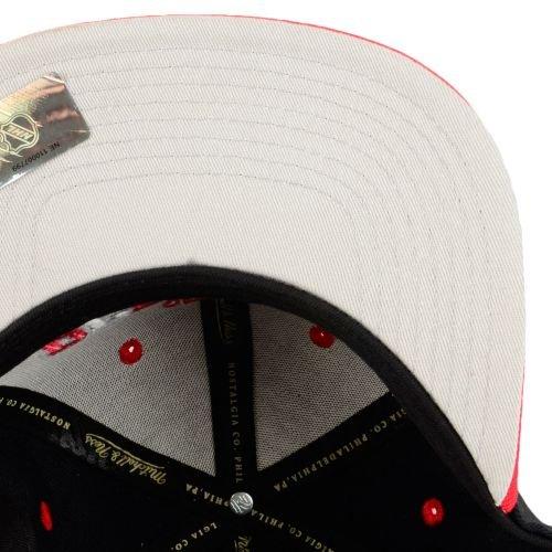 Mitchell & Ness and Detroit Redwings Black Tripop EU060 Snapback Cap Basecap