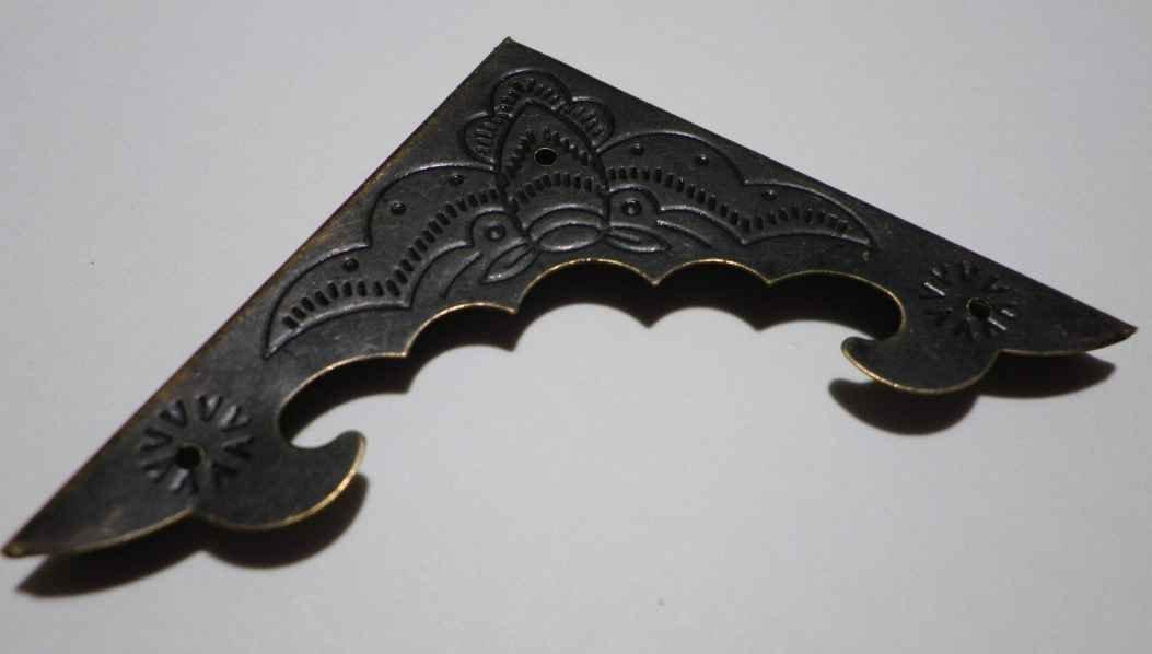 58 mm acabado de bronce envejecido D003 Conjunto de 4 fundas de metal para esquinas superpuesto