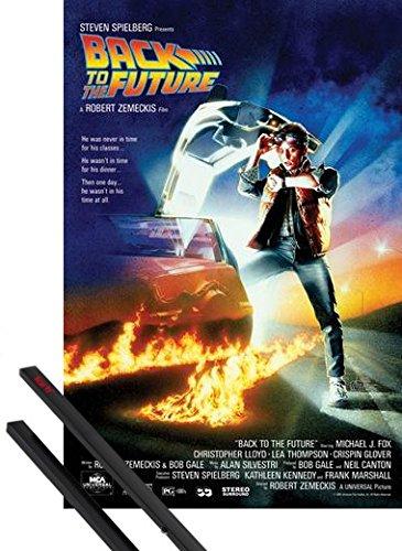 1art1 Regreso Al Futuro Póster (91x61 cm) Michael J Fox, Christopher Lloyd Y 1 Lote De 2 Varillas Negras