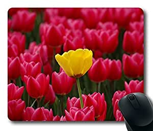 Design Mouse Pad Desktop Laptop Mousepads Yellow Among Red Comfortable Office Mouse Pad Mat Cute Gaming Mouse Pad