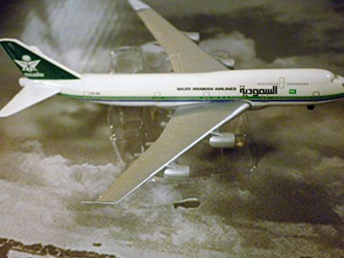 Saudia Saudi Arabian Airlines ) 747-400 Jet Plane 1:600 Scale Die-cast Plane Made in Germany by Schabak ()