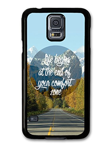 Life Begins at the End of Your Comfort Zone Quote on Cool Mountain Design coque pour Samsung Galaxy S5