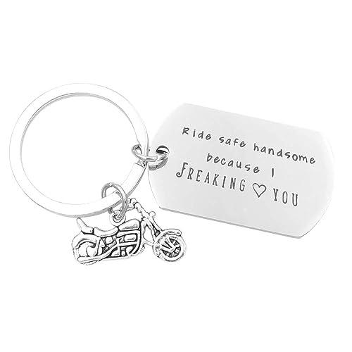 Amazon.com: Ride Safe - Llavero para regalo de novio: Shoes