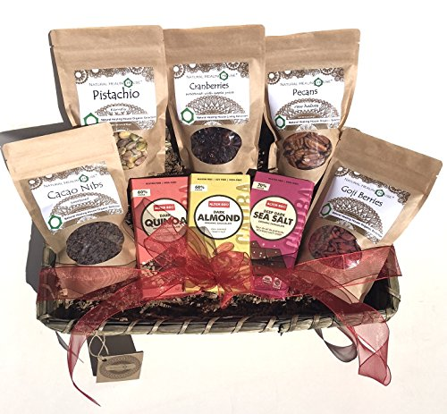 Organic Nuts and Superfoods Gift Basket (Large)