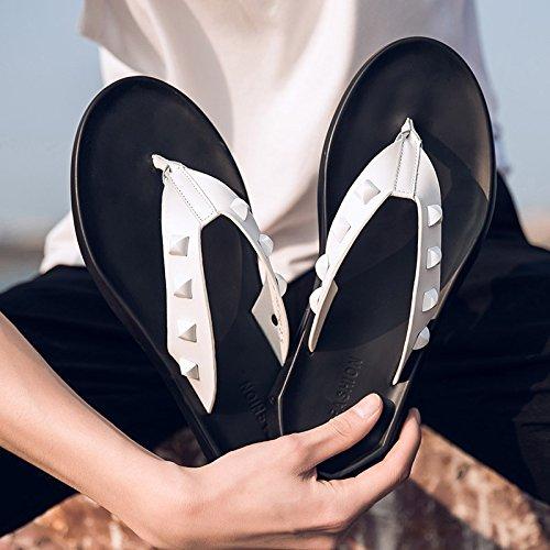 Xing Lin Sandalias De Hombre Los Hombres Zapatillas De Cuero Verano Flip Flops Sandals Personalidad Británico Pionero Skidproof Sandalias Exterior white