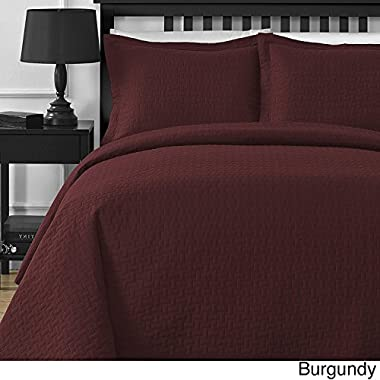 Extra Lightweight and Oversized Comfy Bedding Frame Embossing 3-piece Bedspread Coverlet Set (Full/Queen, Burgundy)