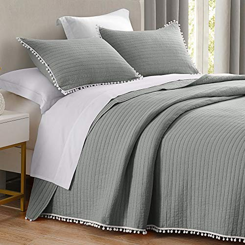 HORIMOTE HOME Quilt Set King Size Grey, Channel-Stitched with Pom Pom Fringe Pattern, Pre-Washed Microfiber Chic Rustic Look, Ultra Soft Lightweight Quilted Bedspread for All Season, 3 Pieces (Sets Quilt Grey)