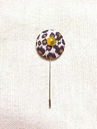 Rounded Lapel (Leopard lapel stick pin, Boutonniere)