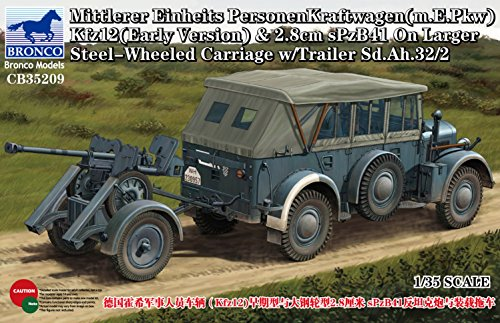Wheeled Carriages - Bronco Models Mittlerer Einheits PersonenKraftwagen Larger Steel-Wheeled Carriage Model Kit