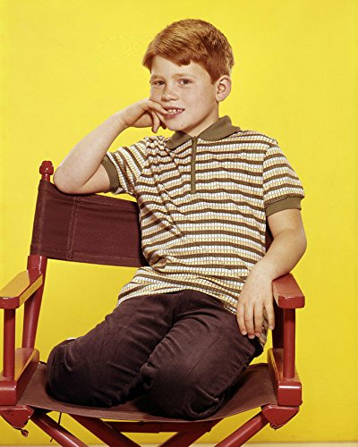 (Ron Howard 16x20 Canvas Child Star Seated in Directors Chair Andy Griffith Show)