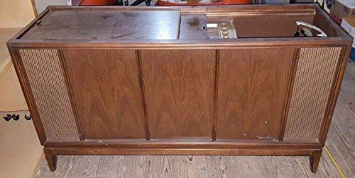 Turntable Console (MAGNAVOX Astro-Sonic Floor Console Radio Phonograph Model 1RP620 )