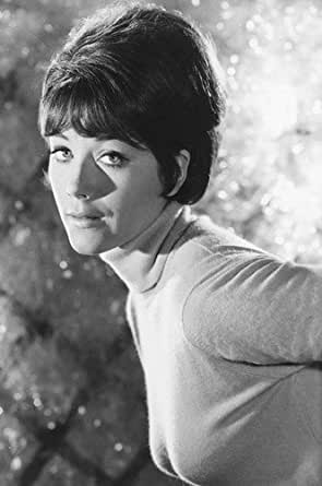 Linda Thorson 24x36 Poster sexy busty pose The Avengers at ...