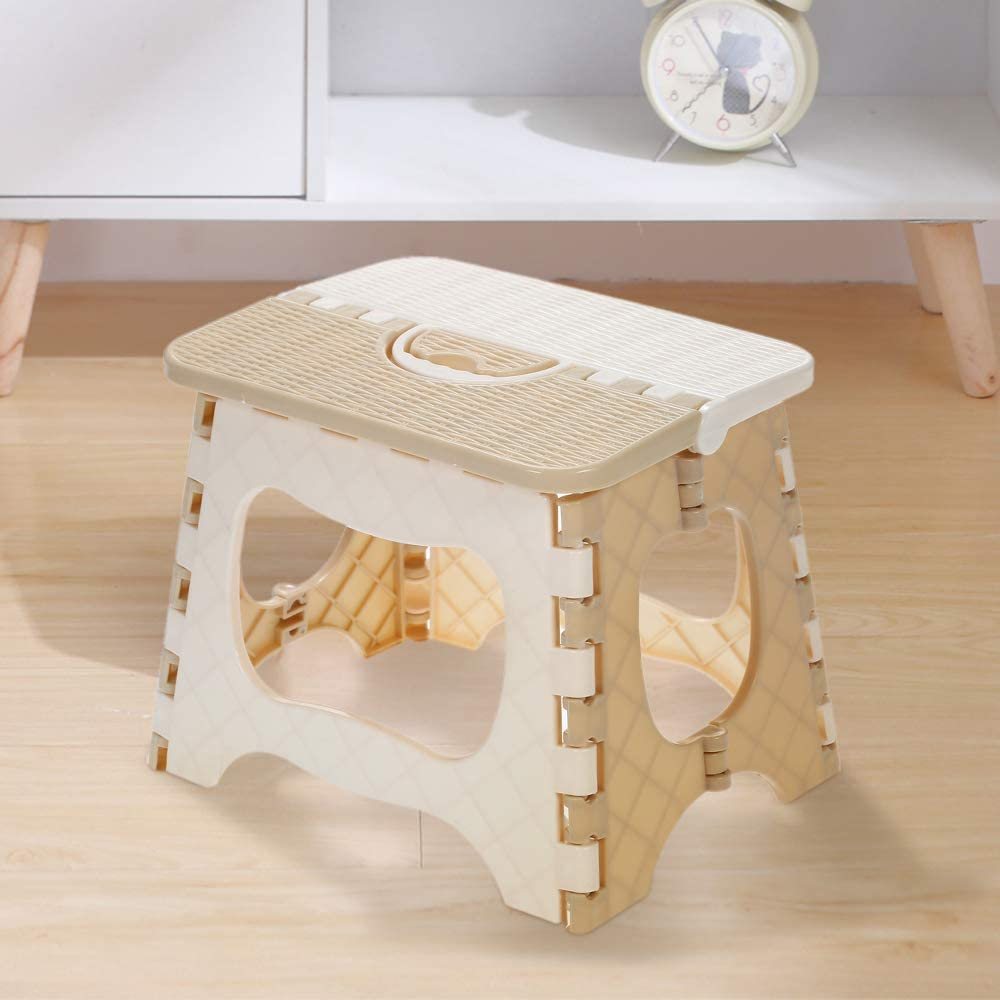Blusea Plastic Folding Step Stool Portable Folding Chair Small Bench for Children and Home Use