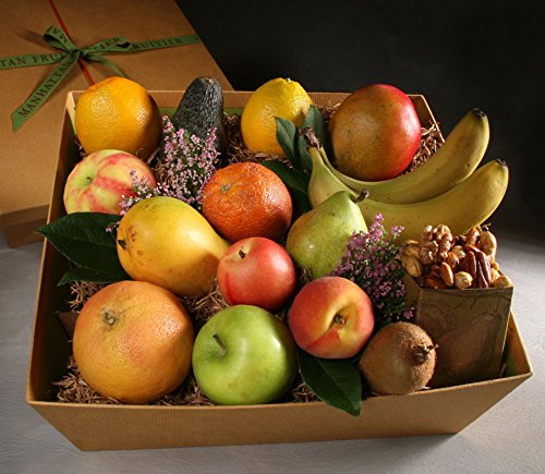Organic Cortland Made to Order Fruit Basket by Manhattan Fruitier Includes 14 Pieces of Seasonal Organic Fresh Fruit and Organic Chocolate Cookies …