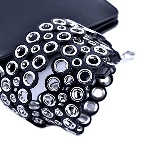 Ermanno Scervino Borsa clutch media donna pelle nera con due tracolle (una semplice e laltra borchiata) in dotazione. Tre scomparti interni, uno con zip e due con bottone magnetico.
