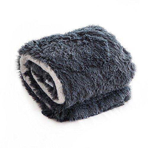 Qbedding Extra Big Soft Faux Fur Sherpa Reversible Throw Bla