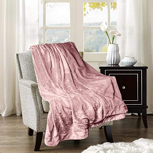 (Adorn & Décor Crushed Velvet Reversible to Shiny Flannel Throw)