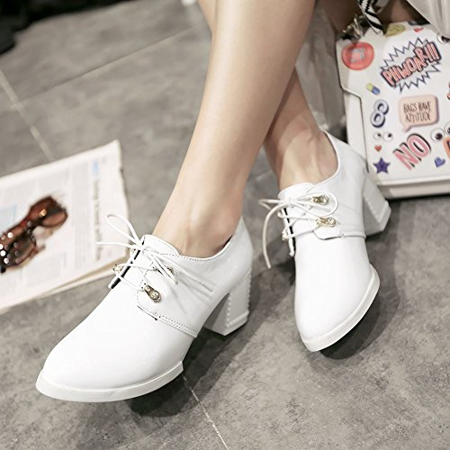 Carolbar Womens Lace up Patent Leather Fashion Popular Mid Chunky Heel Oxfords Shoes White V8ZIngNsbM