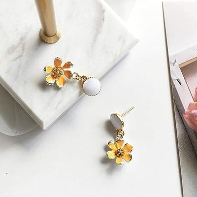 Pendientes de Flores tridimensionales Frescos y compactos Sen Super Hada Pendientes Simples @ Amarillo: Juguetes y juegos