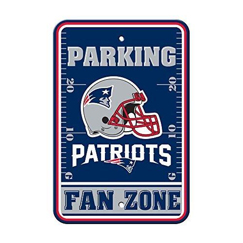 New England Patriots HELMET FAN ZONE 12x18 Plastic Wall Parking Sign Football ()