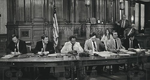 Voting Members (1982 Press Photo Common Council committee members voting on Cable T.V. Milwaukee)