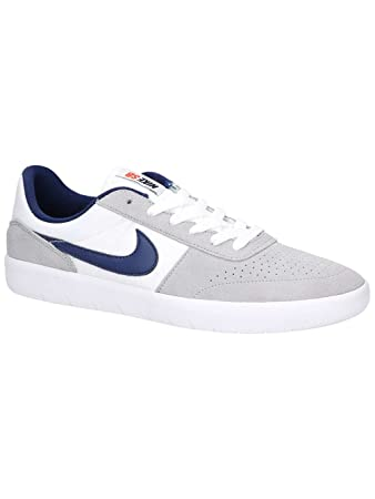 detailed look 97ea5 608bd Nike Skate Shoe Men SB Team Classic Skate Shoes  Amazon.co.uk  Sports    Outdoors