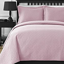 Extra Lightweight and Oversized Comfy Bedding Frame Embossing 3-piece Bedspread Coverlet Set (Full/Queen, Pink)