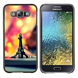TECHCASE---Cubierta de la caja de protección para la piel dura ** Samsung Galaxy E5 E500 ** --Macro del inconformista retro Torre Eiffel