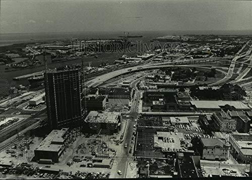 Vintage Photos 1982 Press Photo Aerial View Radisson Hotel in Mobile, Alabama - amra02009