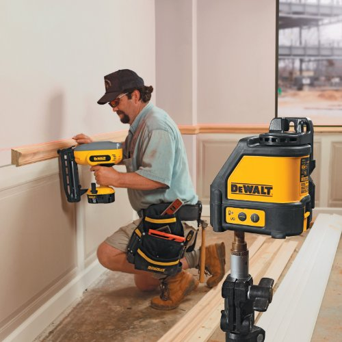 Self Leveling Products : Dewalt dw k horizontal and vertical self leveling line