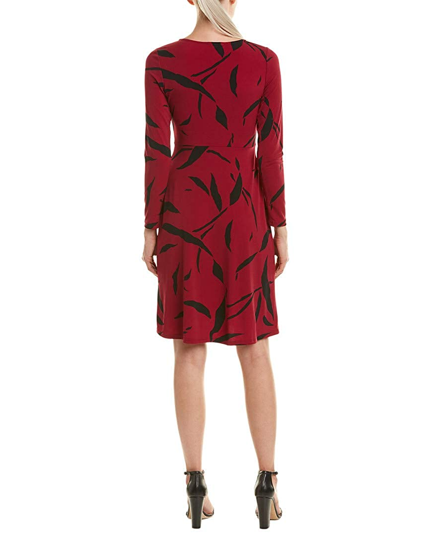 3bb138a69617 Leota Women's Charlotte Twist Front Crepe Knit Dress, Wine Red (Large) at  Amazon Women's Clothing store: