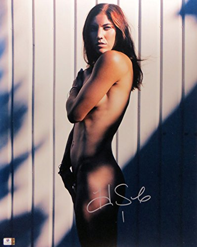 Hope Solo Signed Autographed 16X20 Photo Sexy Pose Soccer Star Goalie GV796552