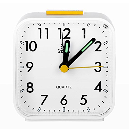 Pingenaneer Despertador Analógico con Luz Nocturna, Sonido Ascendente, Alarma Acústico, Configuración Sencilla, no Hace Tic-TAC Blanco