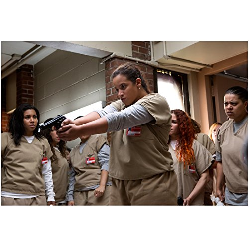 Dascha Polanco 8 Inch X 10 Inch Photograph Orange Is The New Black  Tv Series 2013     Pointing Gun Kn
