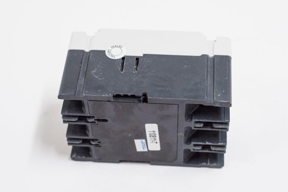 Eaton FD3020 Panel Mount Type FD Molded Case Circuit Breaker 3-Pole 20 Amp 600 Volt AC 250 Volt DC