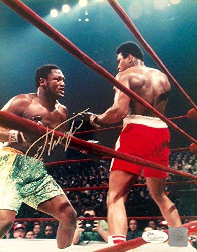 Joe Frazier Autographed Photo - d2011 vs ALI 8x10#N26044 - JSA Certified - Autographed Boxing Photos ()